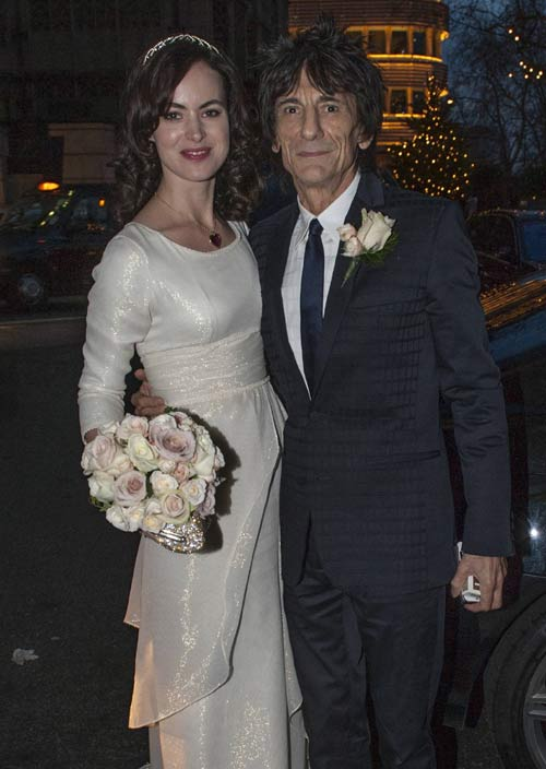 Ronnie Wood y Sally Humphrey, 'inmensamente felices' como marido y mujer