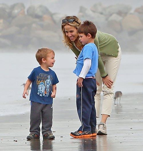 Sheryl Crow se vuelca en sus hijos, ajena a los comentarios sobre su conocimiento del caso Armstrong