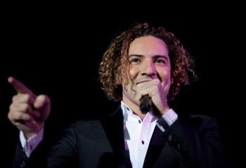 David Bisbal se declara a Raquel Jiménez: 'Te juro que te adoro, vida mía'