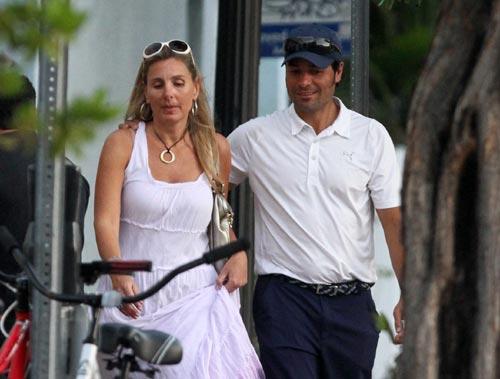 Chayanne pasea con la abogada venezolana Marilisa (Fotos)