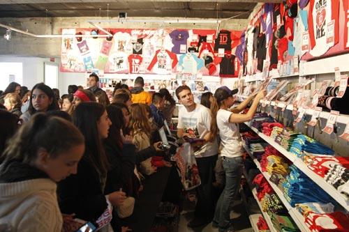 ¡Tres, dos, uno!... El éxito de su tienda prepara el aterrizaje de los One Direction en España