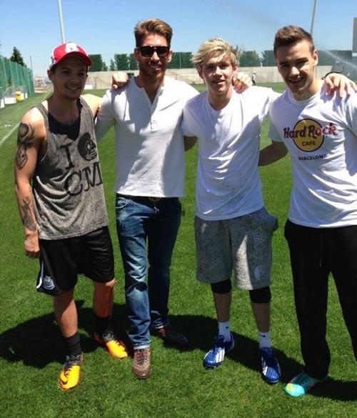 Ellos también tienen ídolos: los One Direction, emocionados al conocer al Real Madrid