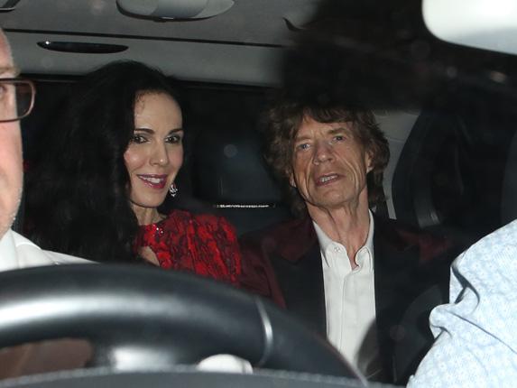 Mick Jagger demuestra que sigue siendo puro 'rock and roll' en la fiesta de su 70 cumpleaños