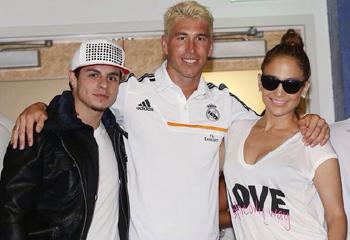 Jennifer López visita a sus 'amigos' del Real Madrid