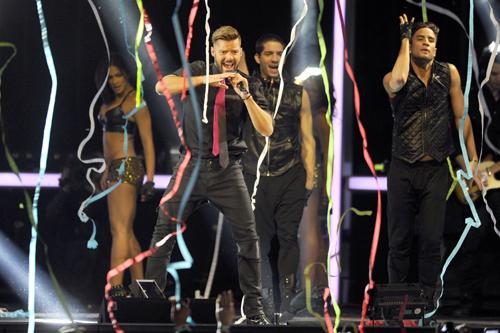 Pablo Alborán acapara los Premios 40 Principales en una gala cargada de música y 'celebrities'