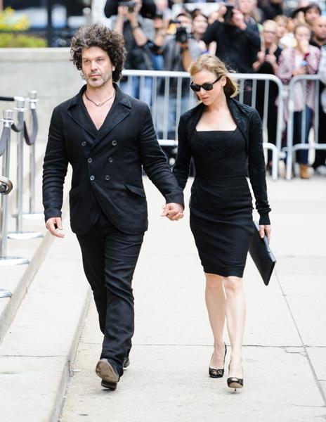 Renée Zellweger, Sarah Jessica Parker... recuerdan con Mick Jagger a su novia, L'Wren Scott