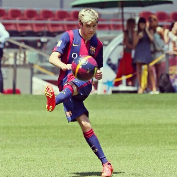 One Direction, estrellas del pop y… ¡del fútbol!