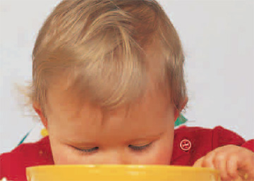 ¿Cómo enfrentarse a un niño que se niega a comer?