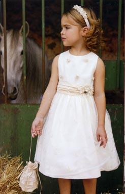 La moda infantil se tiñe de blanco