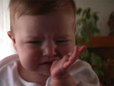 ¿Qué puedo hacer si a mi hijo le duelen los dientes?