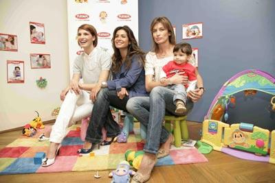 Laura Sánchez, Nieves Álvarez y Nuria Roca, tres madrinas de excepción en la presentación de un libro infantil
