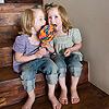¿Cómo controlar las peleas entre los gemelos?