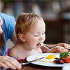 ¿Está relacionada la dermatitis atópica con las alergias a los alimentos?