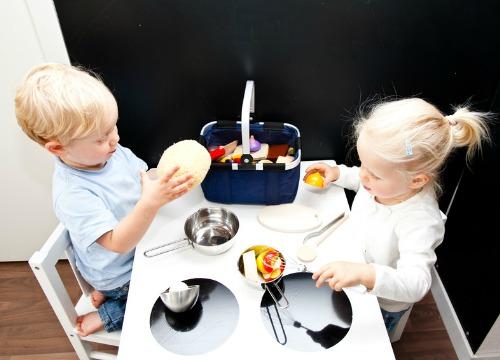 Las cocinas de juguete no son sólo para niñas