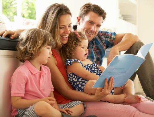 Las ventajas de leer en voz alta con los niños