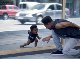 Los bebés de Evian se convierten en el vídeo viral del momento