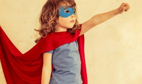 Una campaña anima a regalar juguetes que no discriminen a los niños y niñas