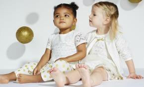 Las hermanas Kardashian lanzan una colección de ropa para bebés