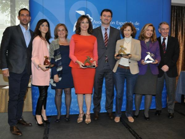 La Asociación Española de Fabricantes de Juguetes otorga a Hola.com el premio Pajarita