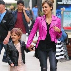 Nicole Richie, Victoria Beckham, Jessica Alba... Elegimos a las mamás más 'cool'