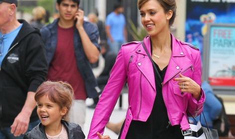 Jessica Alba es la mamá más 'cool'