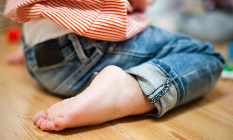 Cole con las piernas abiertas - 1 3