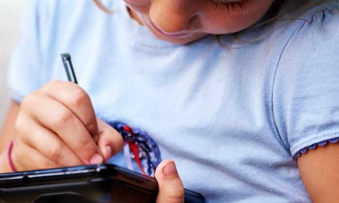 ¿Cuándo necesitan los niños un teléfono móvil?