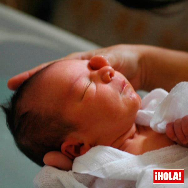 C mo perder el miedo al primer ba o del beb - Bano del recien nacido ...