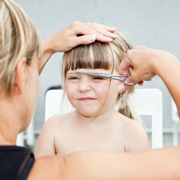 cómo cuidar el pelo de las niñas con pelo largo