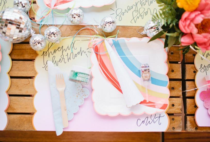 manteles de papel festoneados en forma de nube y arco iris servilletas con purpurina y bolitas de discoteca tamao uminiu