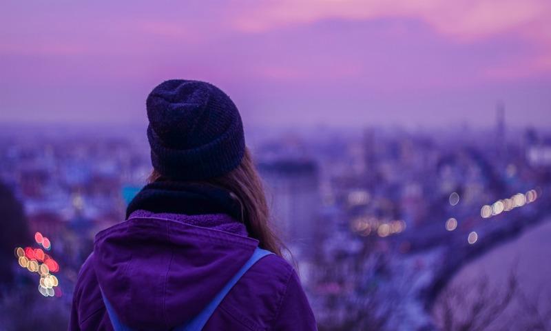 Cómo distinguir la tristeza en los adolescentes