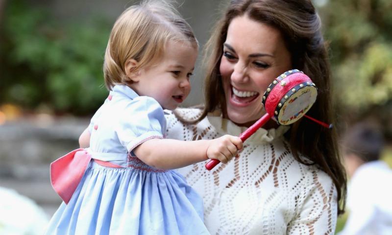 16 momentos bonitos y espontáneos de los Duques de Cambridge con sus hijos