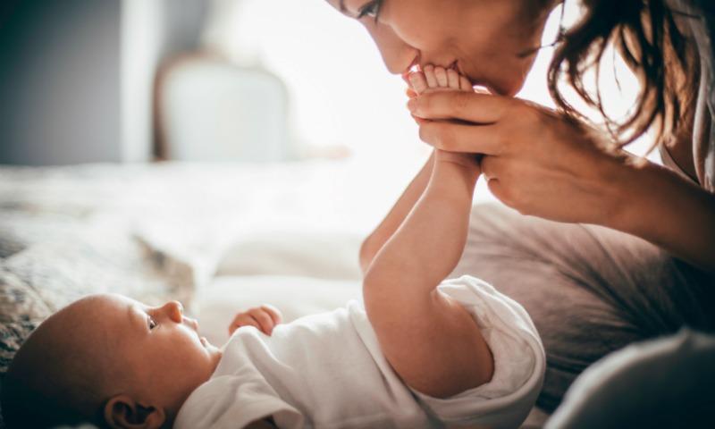 Esta canción promete sacarle una sonrisa a tu bebé