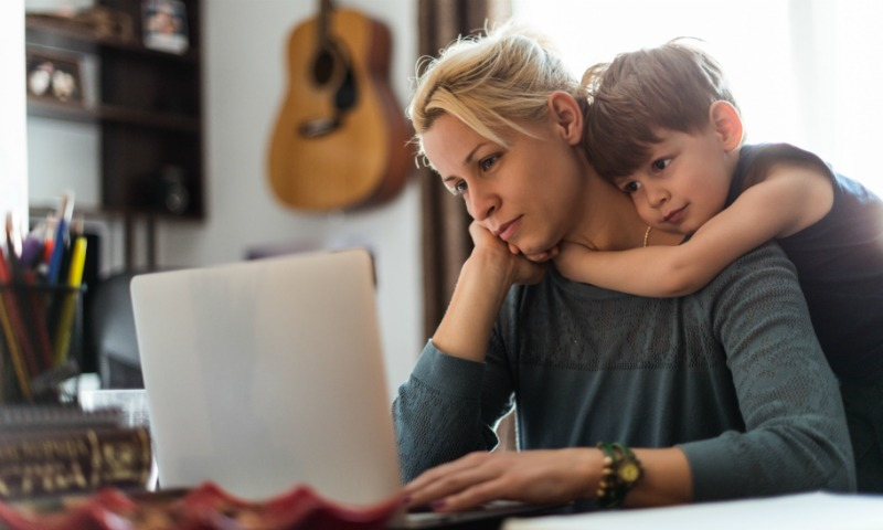 Así conciliamos las mamás españolas diez años después de la Ley de Igualdad