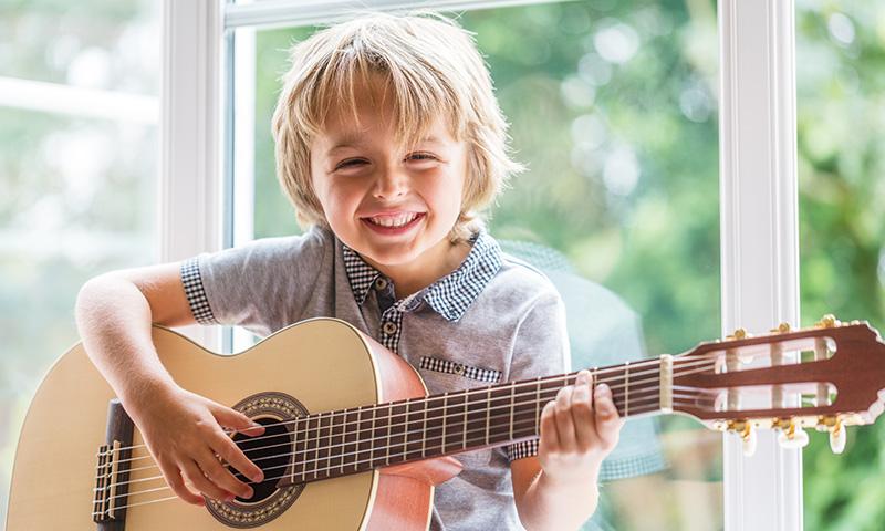 Canciones infantiles e instrumentos musicales, la unión perfecta