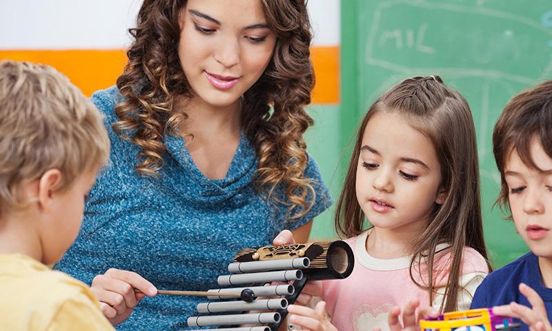 Refranes, canciones infantiles donde los niños ponen su música