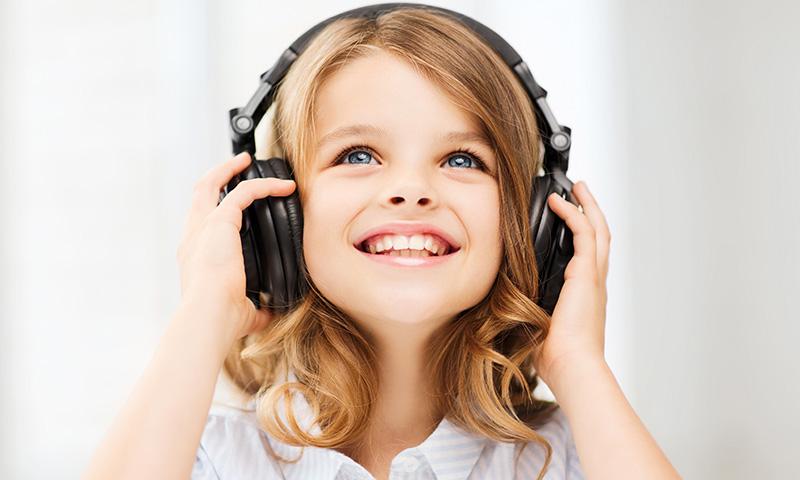 Fabrica con tus hijos instrumentos para que toquen sus canciones infantiles