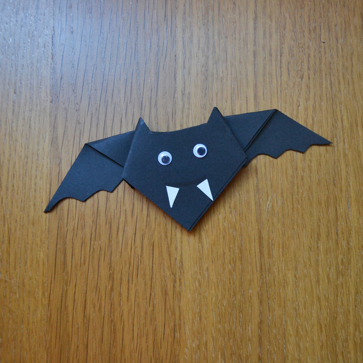 Manualidades Halloween Ninos.Como Hacer Un Murcielago Con Cartulina Foto