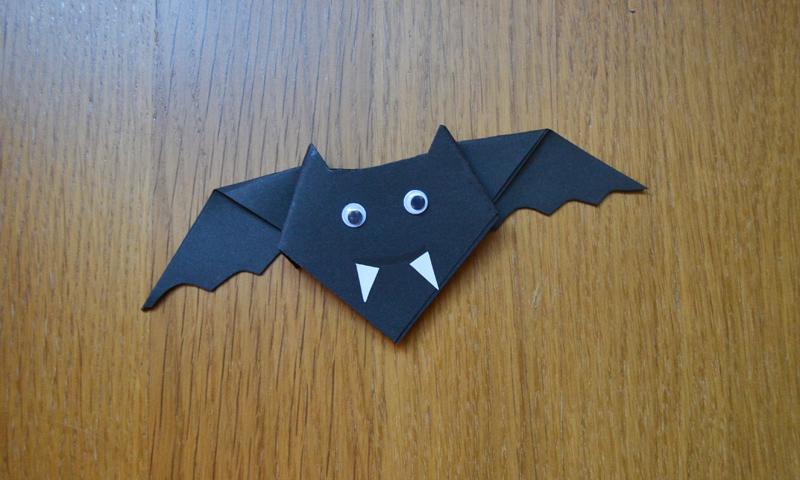 Manualidades f ciles decora tu casa en halloween con - Murcielago halloween ...