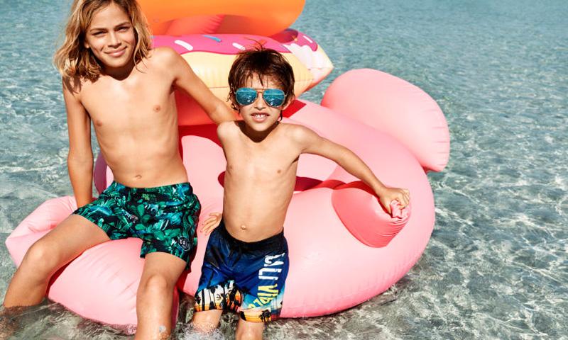 A La Playa Hazte Con 20 Accesorios Imprescindibles Para Irte Con Los Más Peques Foto 1
