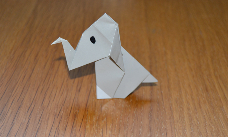 Aprende, disfruta y desarrolla las habilidades de tus hijos con este lindo origami de elefante