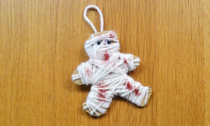 Las momias se adueñarán de tu casa en Halloween con esta sencilla manualidad