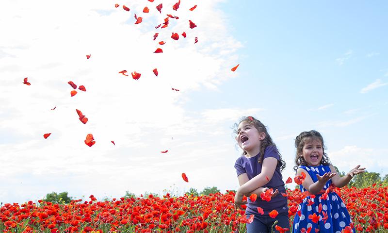 Canciones infantiles para acercar a tus hijos al medio rural for Cancion infantil hola jardin
