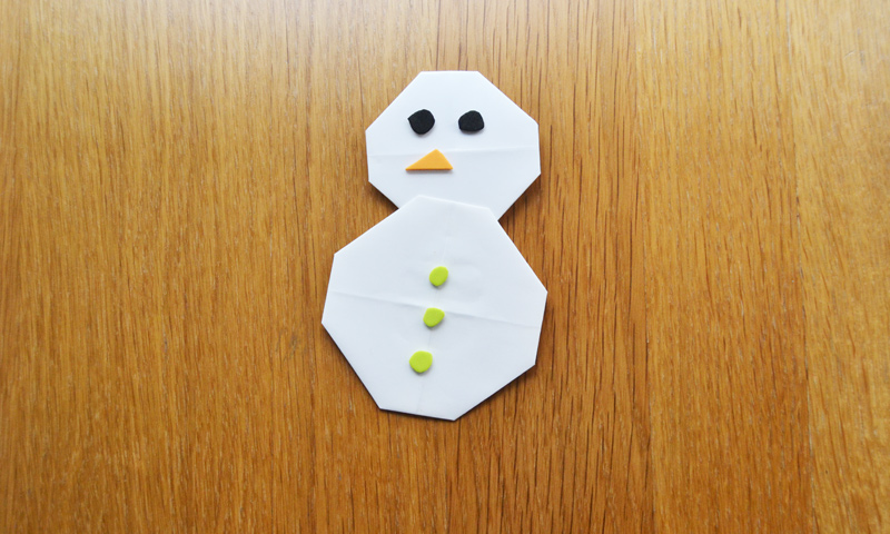 Manualidades para niños: ¡Un muñeco de nieve sin salir de casa!