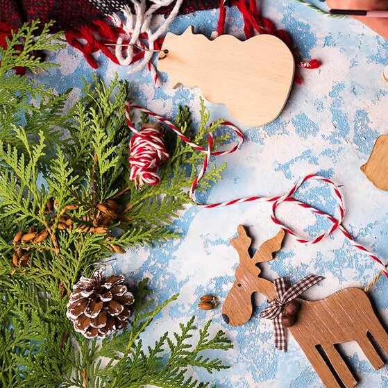 80f8cb38a553 Manualidades que les encantarán para un árbol de Navidad con encanto