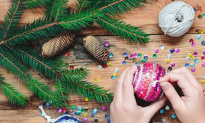Como Decorar Bolas De Navidad De Poliespan.Bolas De Poliespan Para Decorar Tu Arbol Estas Navidades