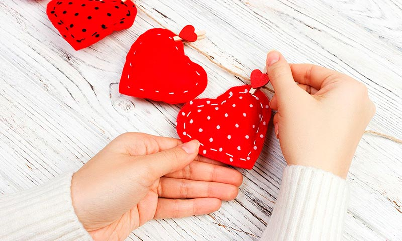 Sorprende A Tu Pareja Por San Valentín Con Estas Manualidades En Las