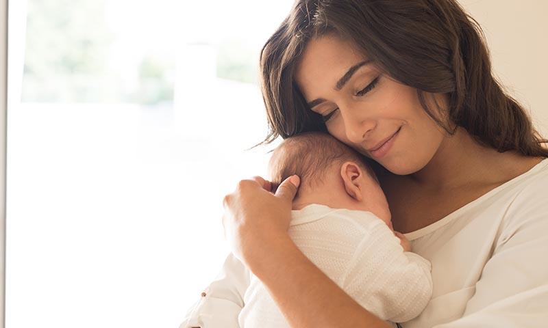 Sus primeras canciones: cántale al oído a tu bebé