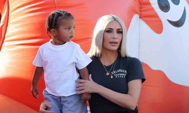 Kim Kardashian muestra su lado más maternal