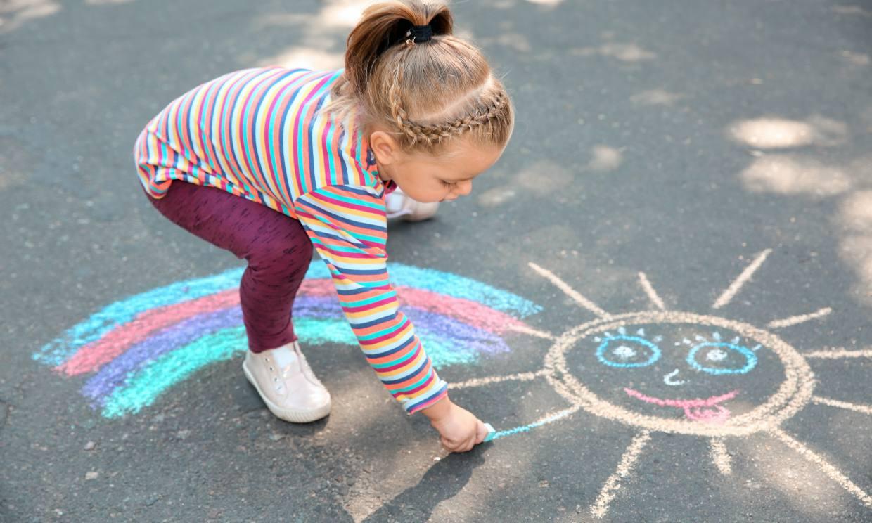 Los beneficios de que los niños salgan a la calle
